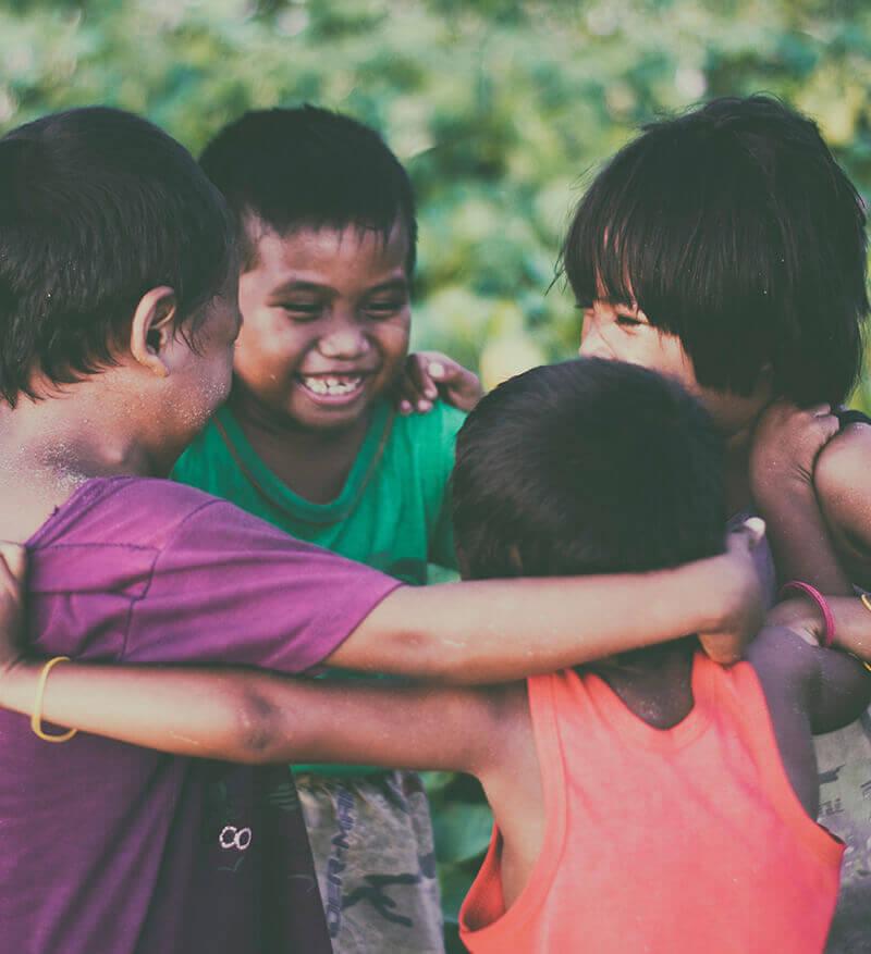 image-kids_hugs_mobile-1.jpg